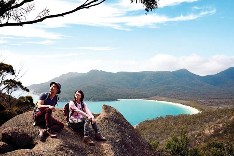Couple at Wineglass Bay lookout - Tourism Australia.jpg