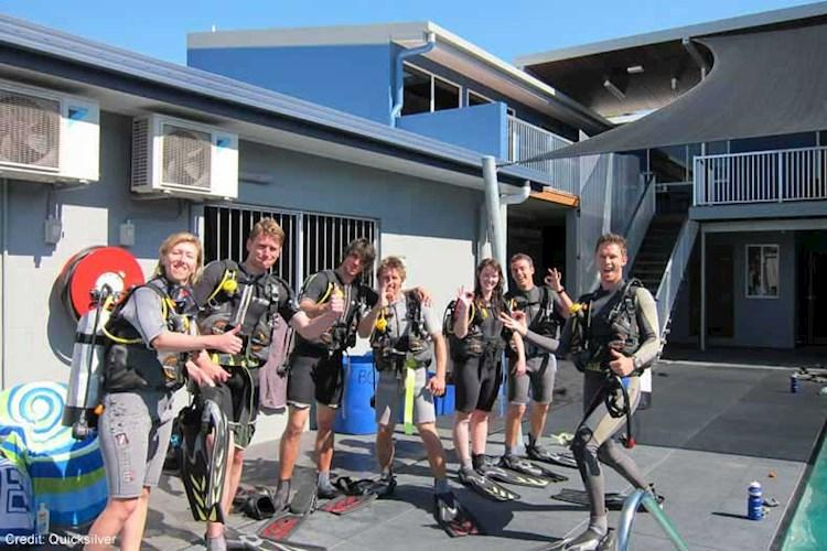 Great-Barrier-Reef-5-Day-Scuba-Diving-Course-Pool-Training.jpg