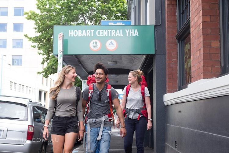 Hobart Central YHA_exterior_2017 (10).jpg