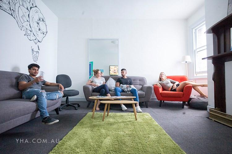 Hobart Central YHA_Lounge Room_2017 (4).jpg
