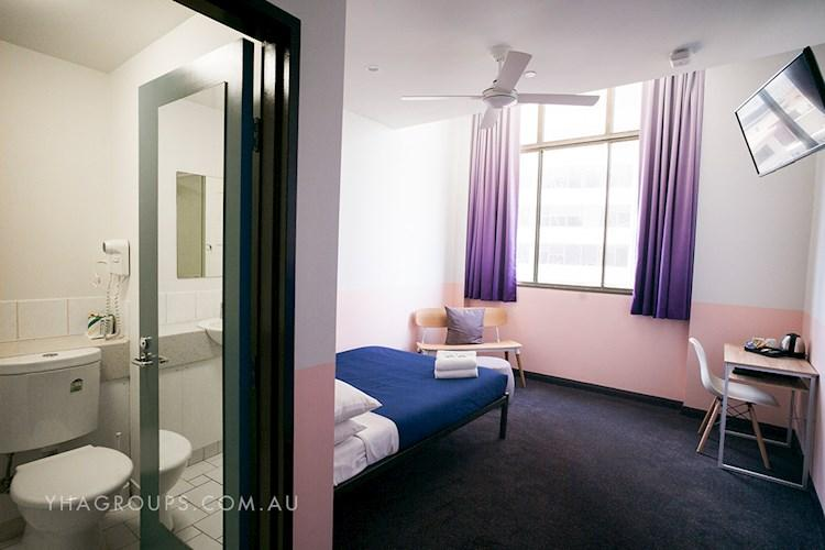 Private Room - Sydney Central YHA.jpg