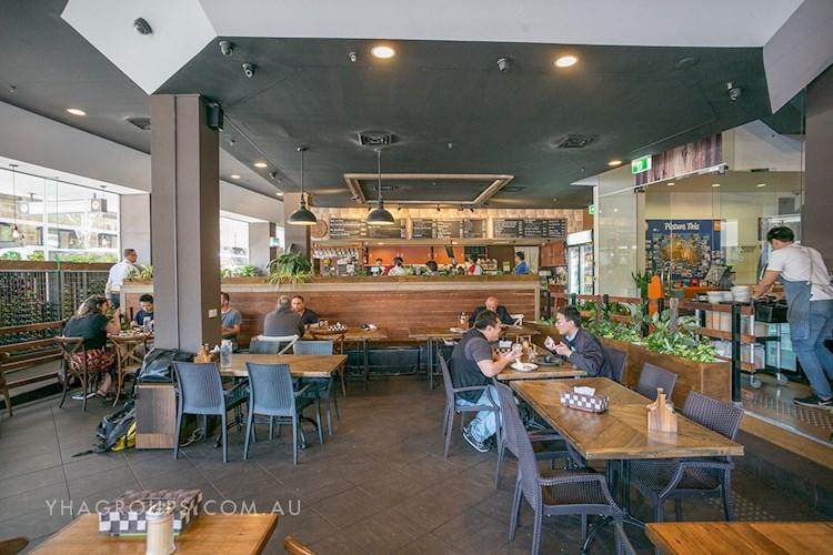 Sydney Central YHA - Flexible Group Dining Area.jpg