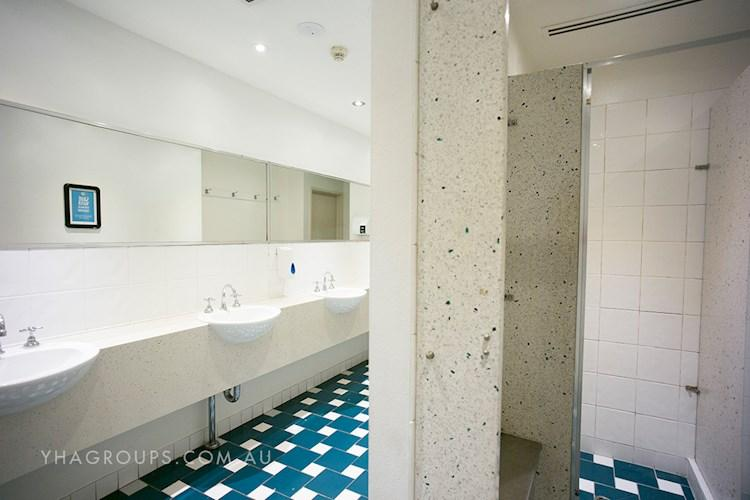 Sydney Central YHA - Safe and Secure Communal Bathrooms.jpg