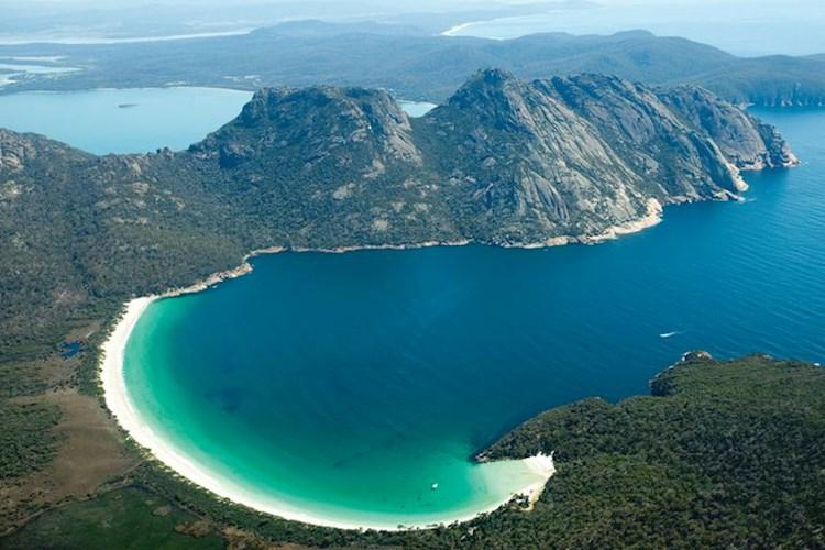 2-Day-Port-Arthur-and-Wineglass-Bay-Wineglass-Bay.jpg