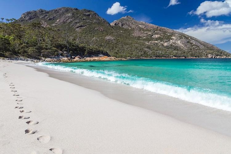 Wineglass Bay in Tasmania - copyright Markus Gann shutterstock_179768357.jpg