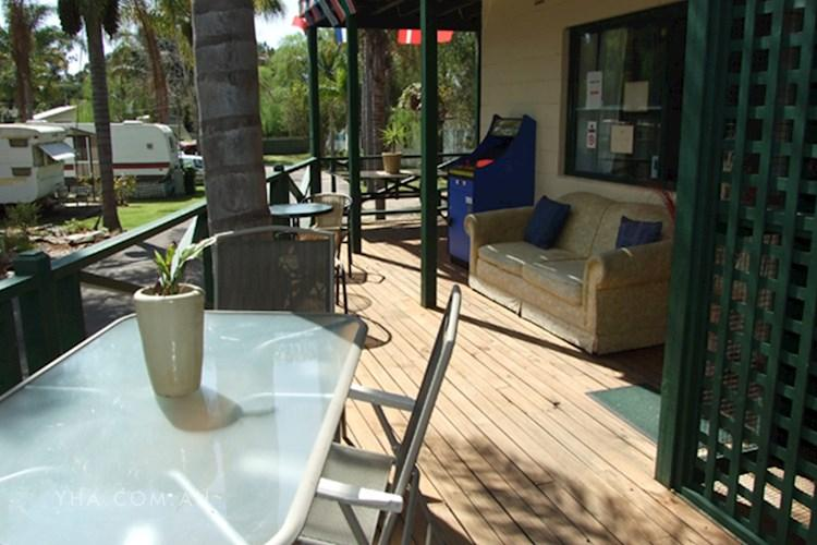 Batemans Bay YHA - Outdoor Area