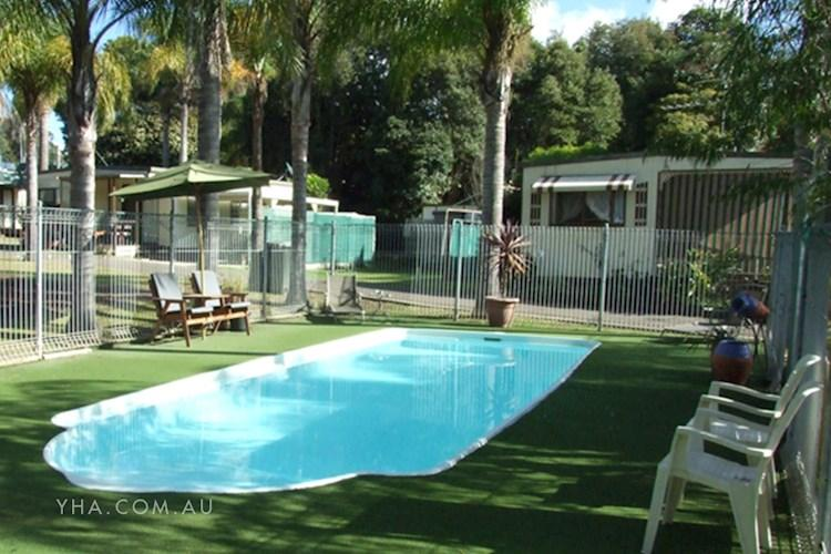 Batemans Bay YHA - Pool