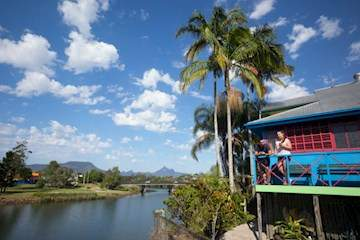 Murwillumbah YHA - Mt Warning thumbnail