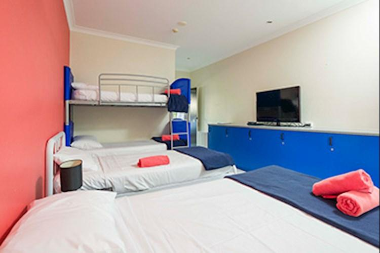 Port Douglas Multi Share Room (2)