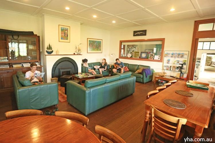 Pittwater-YHA-commonroom.jpg