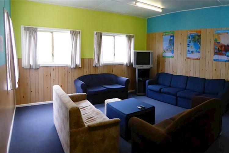Coles Bay YHA - Communal Lounge