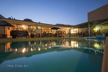 Sydney Collaroy Beachouse YHA thumbnail