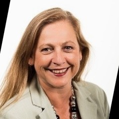 Tracey Powell Chair YHA Australia