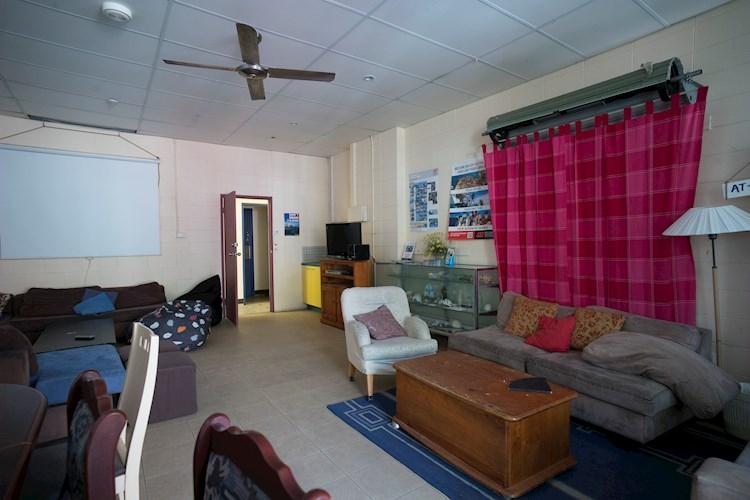 Group Lounge - Stradbroke Island YHA