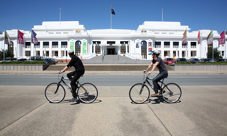 Cycle Canberra in Autumn - Things to do in Canberra - Image Tourism Australia