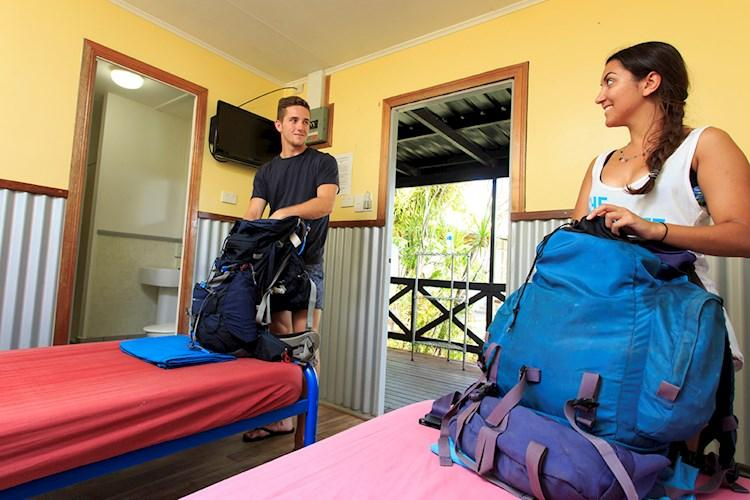 Mission beach backpackers hostels yha australia - Tully swimming pool opening hours ...