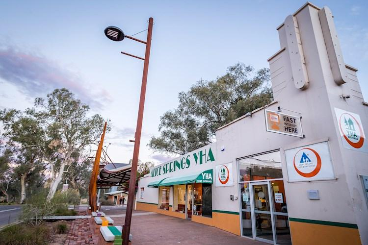 Group Accommodation Alice Springs YHA