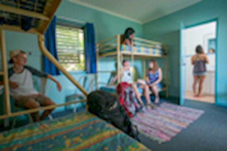 Coffs_Harbour_YHA-Family-Room_Private-Barthroom_YHA-(2) (1).jpg
