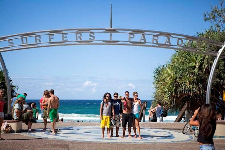 Surfers_Paradise_YHA_Backpackers_Beach.jpg