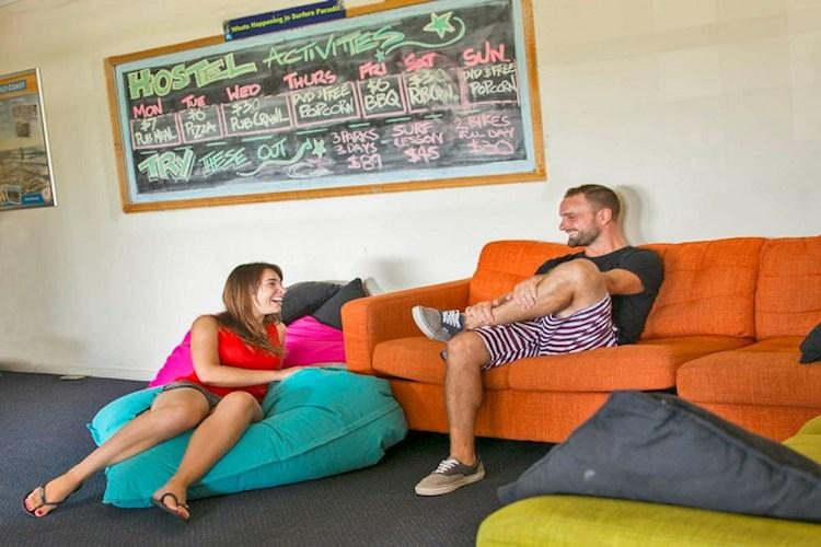 Surfers_Paradise_YHA_Backpackers_TVRoom.jpg