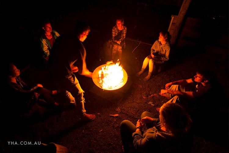 Hunter Valley YHA_Campfire (7).jpg