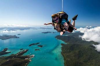 Skydive Airlie Beach tile image