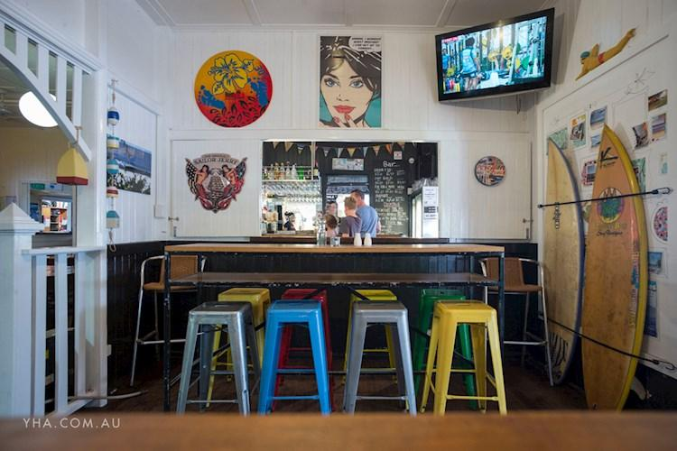 Noosa Heads YHA - Bar (5).jpg