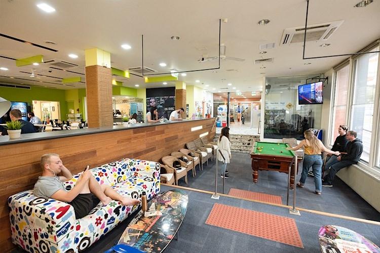 Melbourne Metro YHA_lounge_dining_pool_2019 (4).jpg