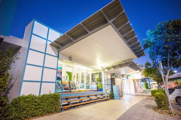Cairns Central YHA_Exterior_2017 (2).jpg