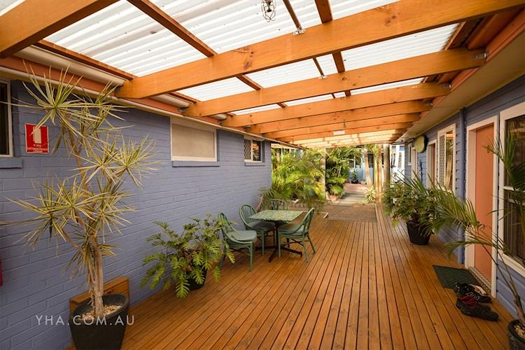Port Macquarie YHA - Deck