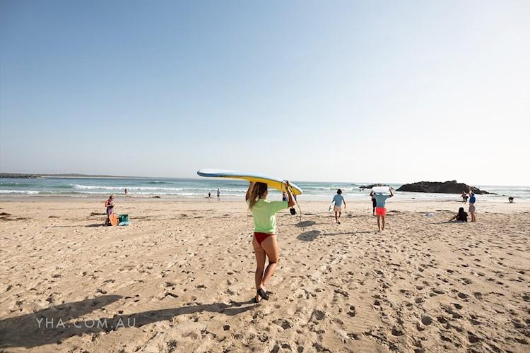 Port Macquarie YHA - Surf Lesson