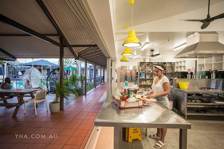 Byron Bay YHA - Self-Catering Kitchen