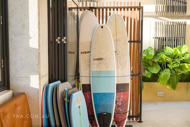 Byron Bay YHA - Surfboard, Bodyboard and Bike Hire