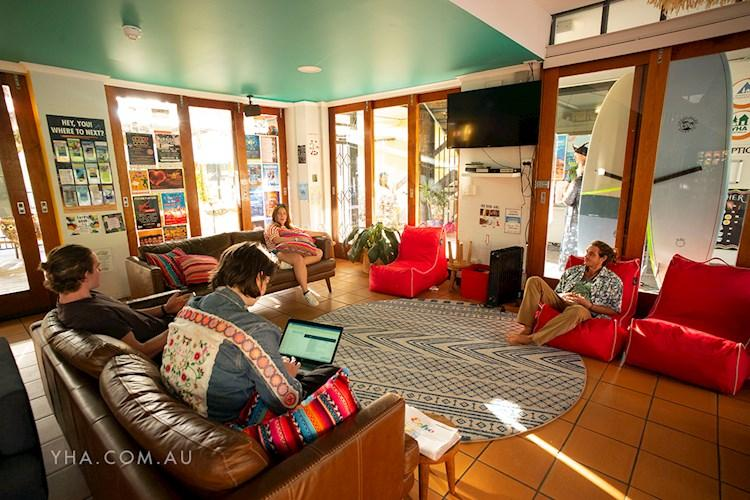 Cape Byron YHA - TV Room