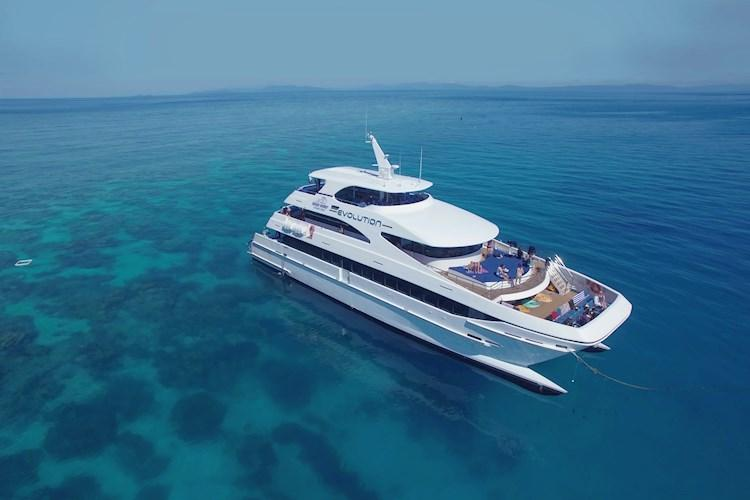 1 Day Scenic Flight and Great Barrier Reef Tour- Slick Vessel