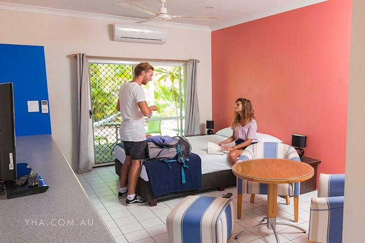 Port Douglas YHA - Private Room