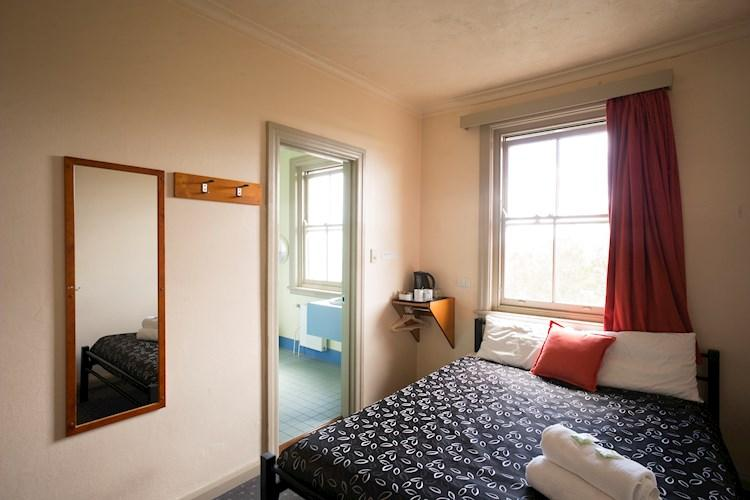 group accommodation blue mountains katoomba yha yha. Black Bedroom Furniture Sets. Home Design Ideas