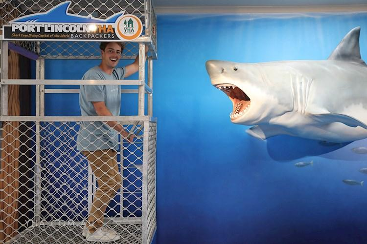 Port Lincoln YHA - Shark Cage