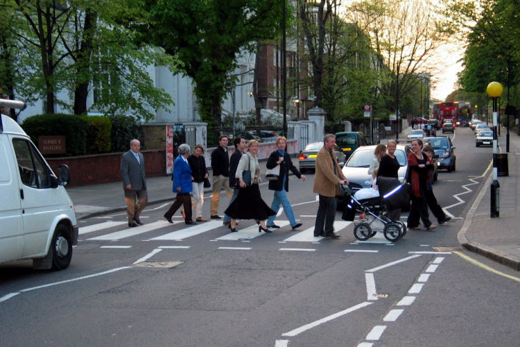 13. Abbey Road crossing credit Hansjorn Wikimedia Commons