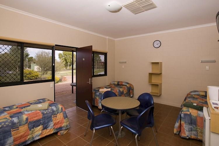YHA Kings Canyon Holiday park hostel - Budget Room