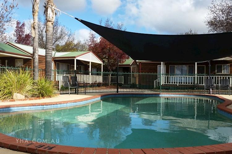 Albury YHA - Pool