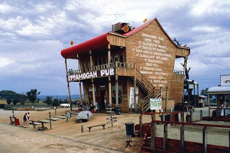 Albury YHA - Ettamogah Pub