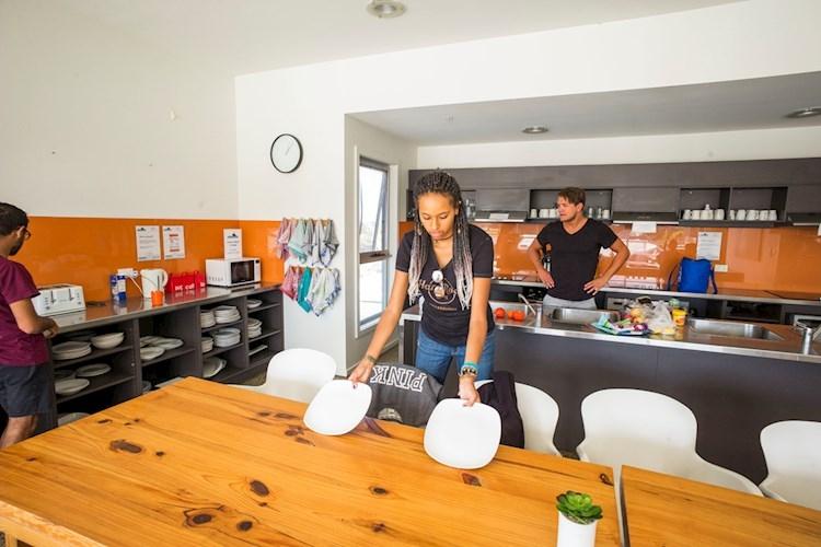 Phillip Island YHA_Kitchen-Dining_1.jpg
