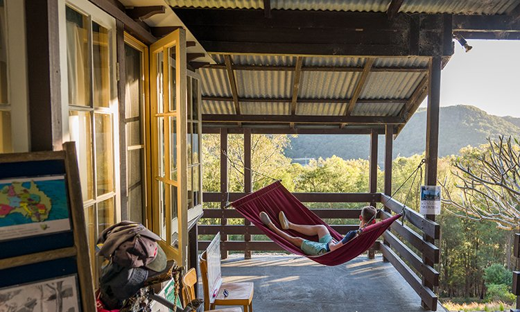 Bludging on the hammock | YHA Australia