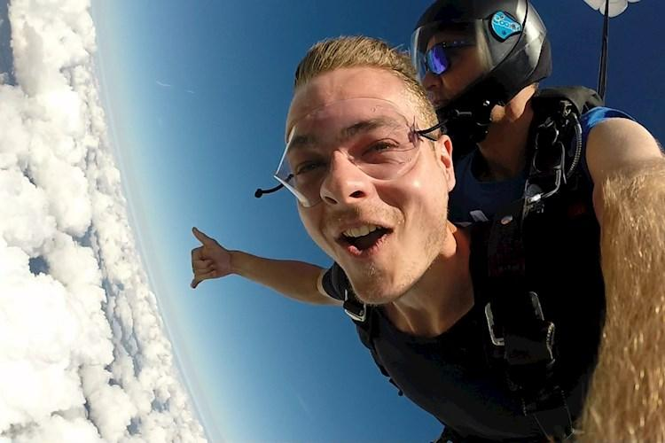 Skydive Sydney- High above the clouds