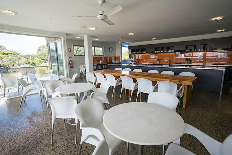 Group Kitchen and Dining Room - Phillip Island YHA